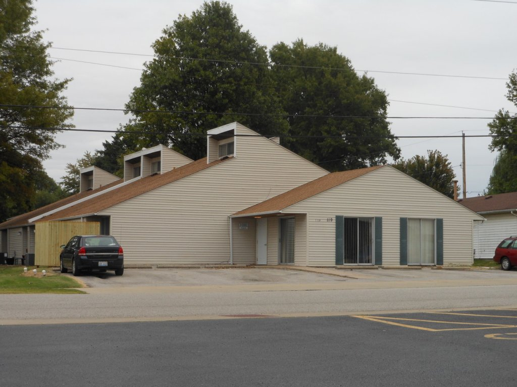 property_image - House for rent in Troy, IL